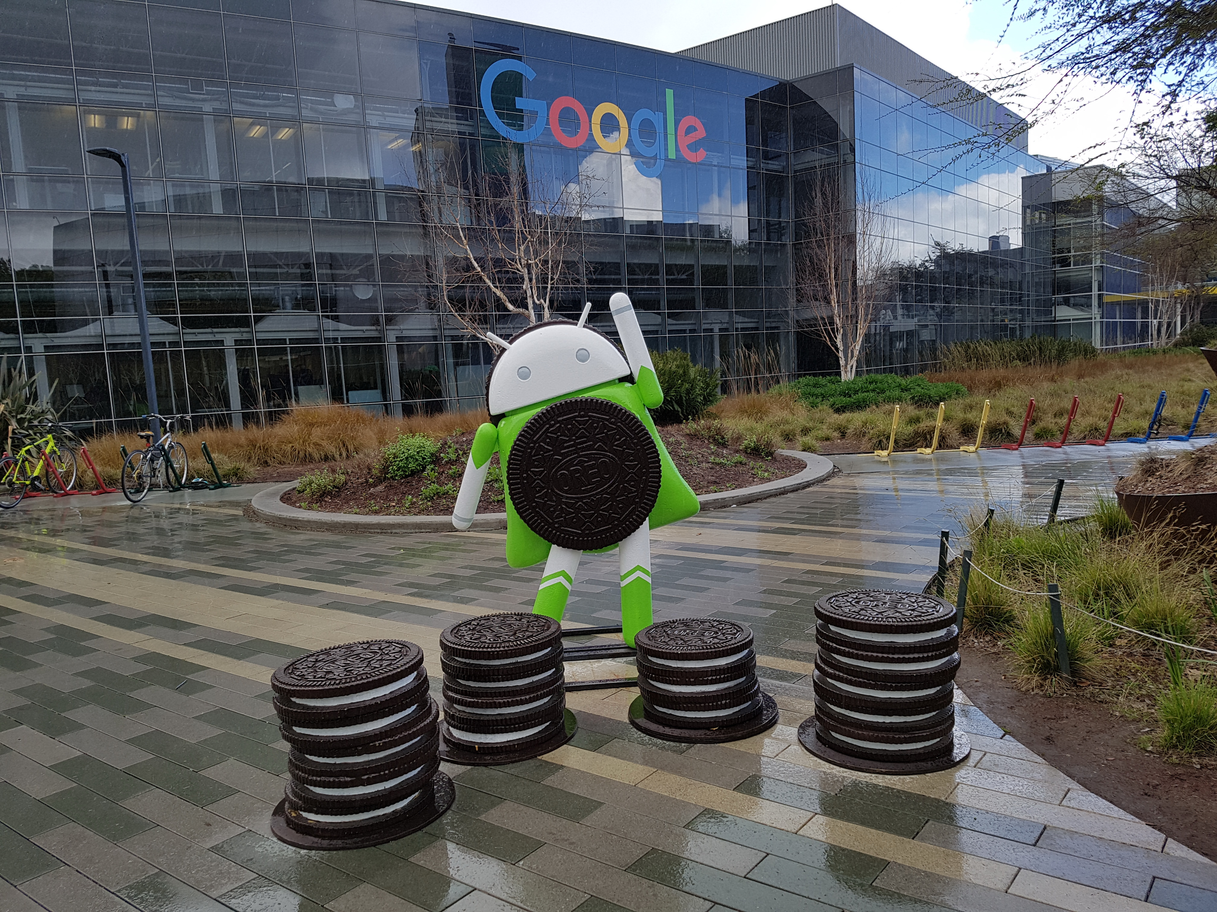 Googleplex-w-Mountain-View