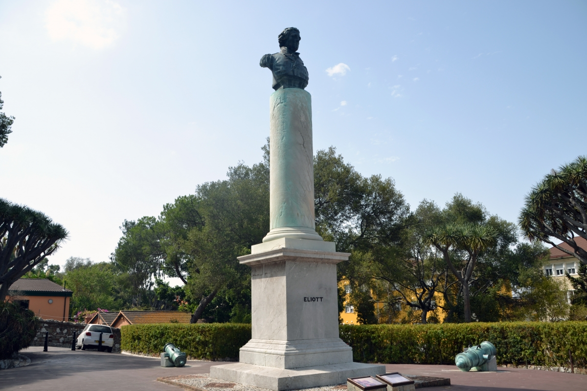 Pomnik George'a Augustusa Eliotta.