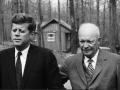 W Camp David z Dwightem Eisenhowerem podczas operacji w Zatoce Świń, 1961