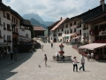 Widok na renesansowy rynek w Gruyères.