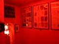 Pornograficzny okres w twórczości Gigera umieszczony jest w salce za czerwoną kurtyną.