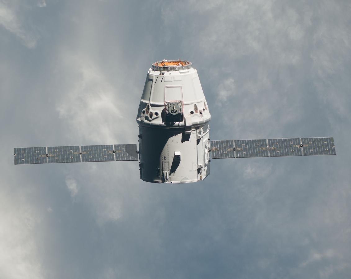 Smok widziany z pokładu ISS