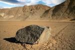 plynace kamienie